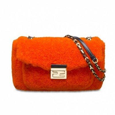 [包袋]奢华的温度 今冬不可缺少的皮草手包